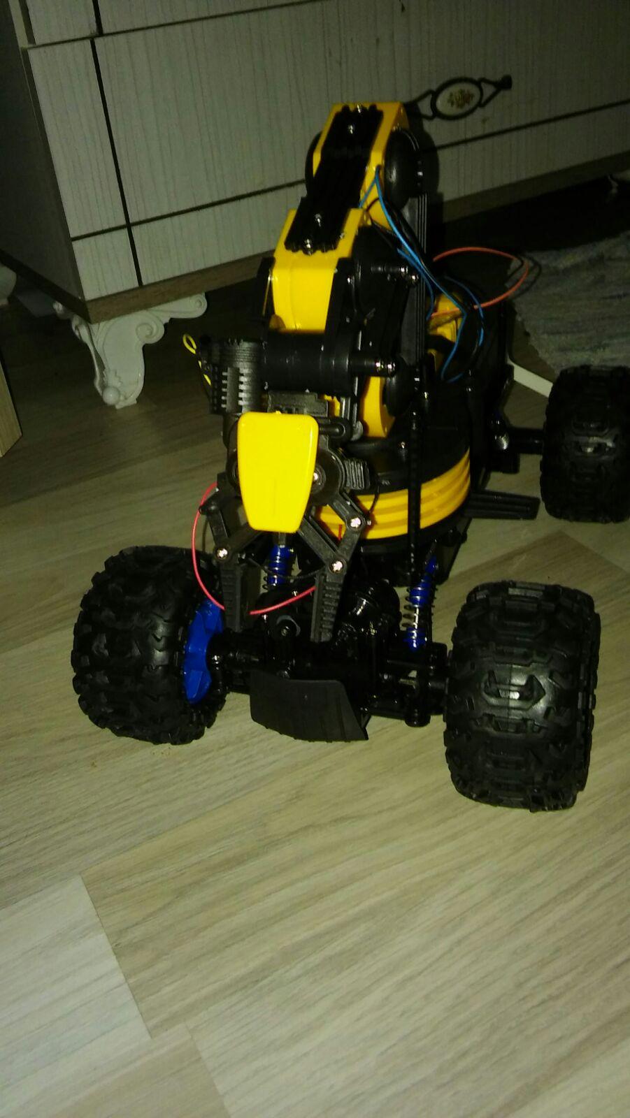 Uzaktan Kontrollü Bomba İmha Robotu Tasarımı
