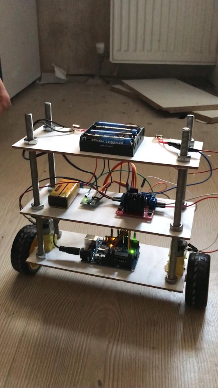 Arduino kontrollü Kendini Dengeleyen Robot(Arduino Self Balancing Robot)